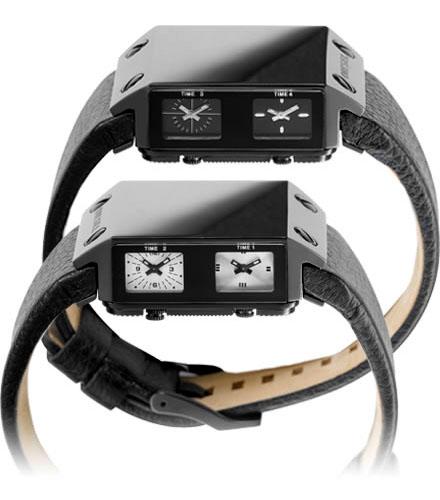 часы с зеркально отполированной поверхностью и черным кожаным ремешком обладают водостойкостью до 10 атм