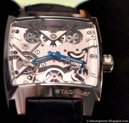 Каждые часы Monaco V4 собираются вручную часовым мастером Дэнисом Бадиным Denis Badin