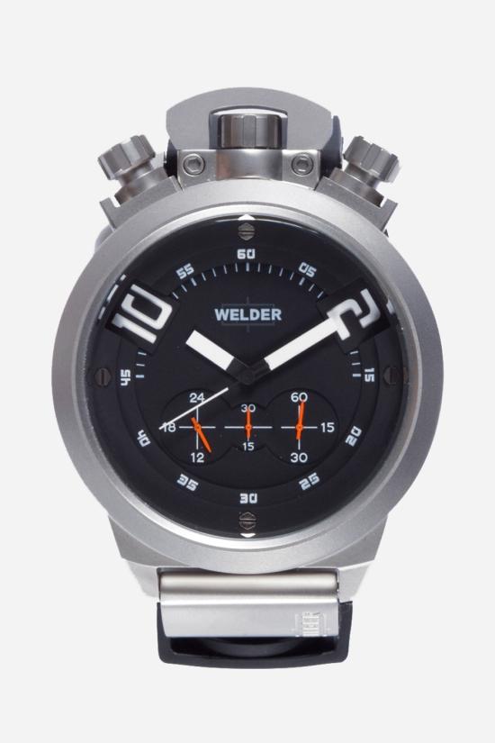 модель из прочной матовой стали на каучуковом ремешке отлично подойдет мужчинам, которые хотят носить свои часы везде