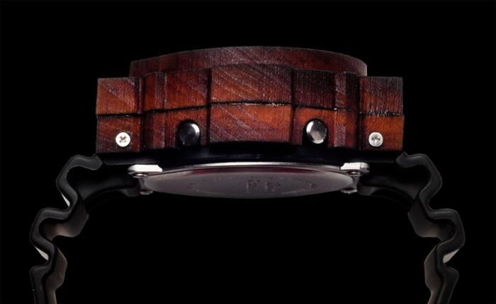 W-Shock с корпусом из дерева