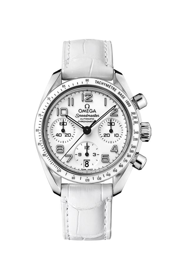 Округлые формы этих часов делают их самым очаровательным экземпляром в коллекции