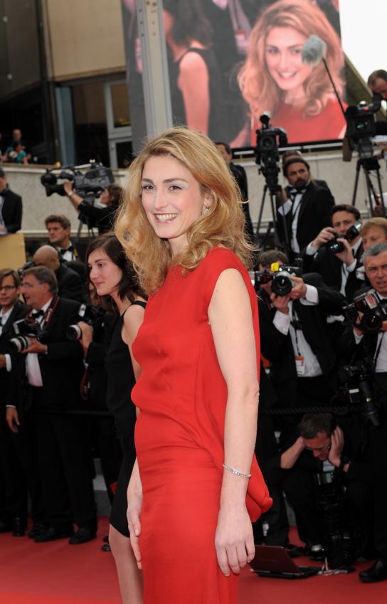 Французская актриса Жюли Гайе (Julie Gayet) - часы Joaillerie 101 Riviere