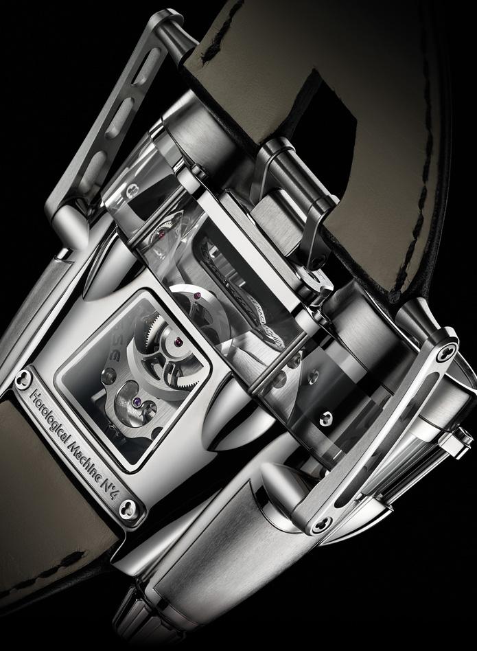 Часовая Машина №4 могла бы стать идеальными часами для пилота или гонщика