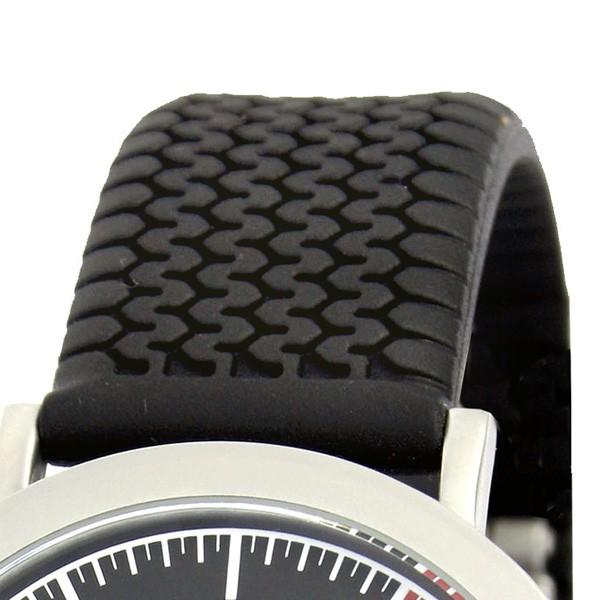 Часы из нержавеющей стали и на каучуковом ремешке красного или черного цвета