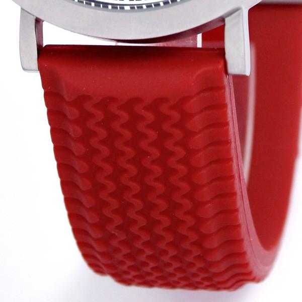 Приобрести эти гоночные часы можно за $135