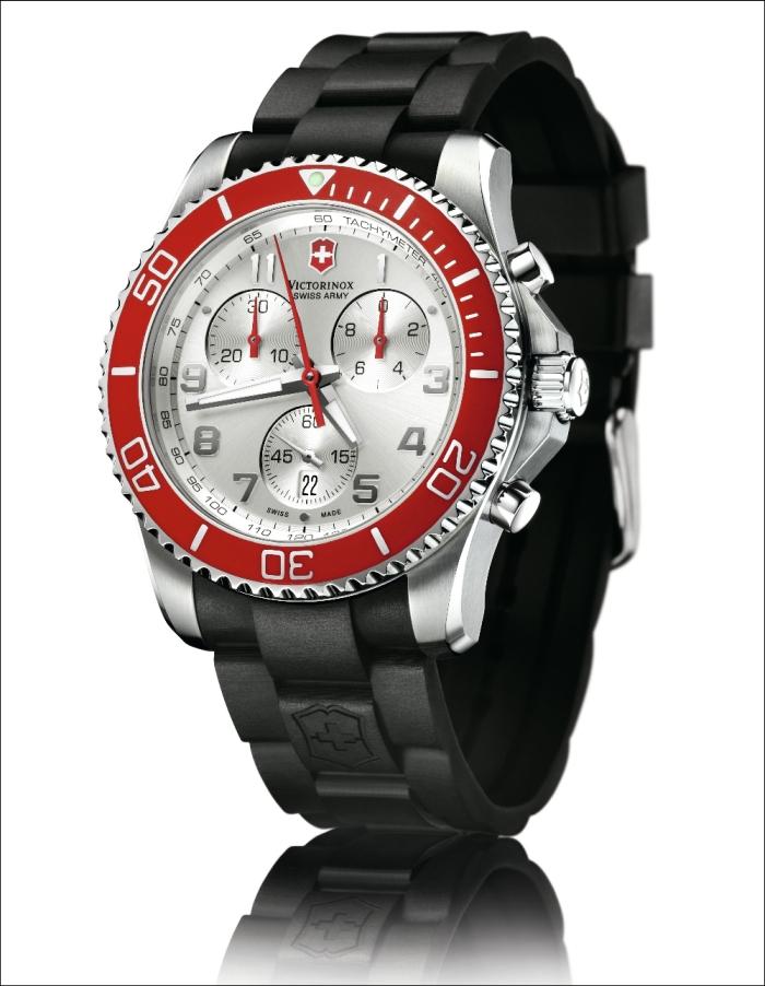 У модели dual time индикатор второго часового пояса расположен на шести часах