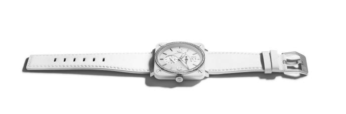 коллекция ультратонких и сверхлегких часов