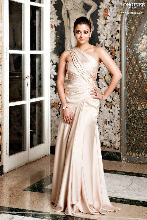 вместе со звездой Болливуда Айшварией Рай (Aishwarya Rai