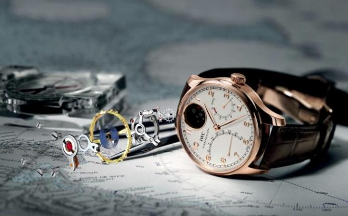 часы с хронографом, турбийоном, вечным календарем и другими атрибутами высокого часового искусства