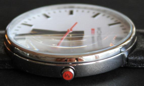 кварцевый механизм Ronda 512.S, минеральное стекло и водонепроницаемость до 30 метров