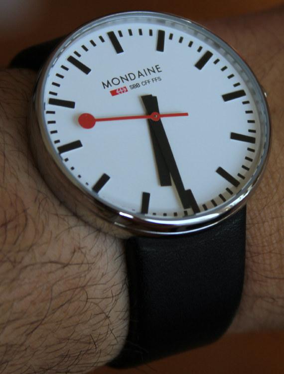 часы-унисекс продаются по вполне доступной цене около $200