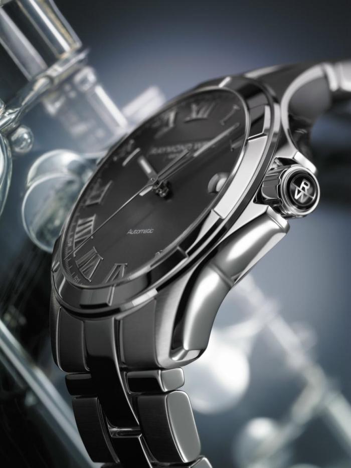 Лаконичные механические часы с корпусом размера 39х9,6 мм