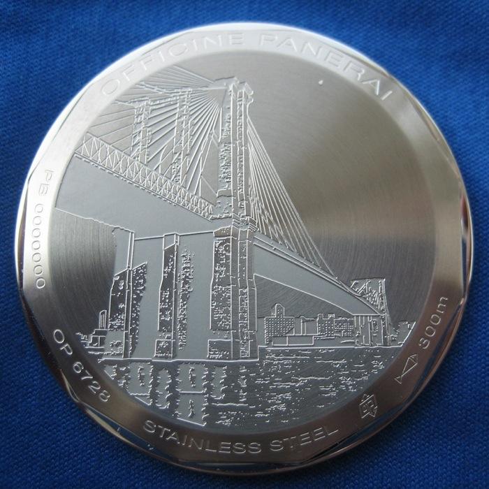 часы PAM00318 с изображением Бруклинского моста на крышке