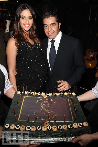 Паоло Замполли (Paolo Zampolli) празднует день рождения с женой Амандой Унгаро (Amanda Ungaro) и не подозревает о готовящемся ограблении