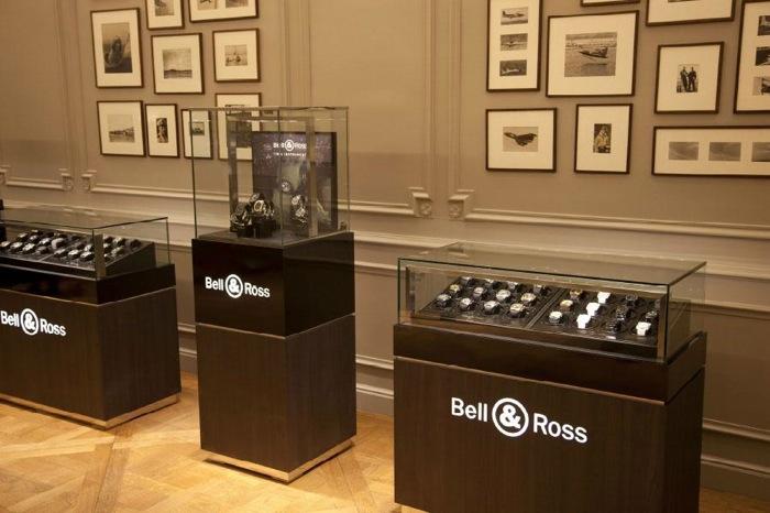 Bell & Ross переехала недавно в 16-ый округ Парижа в дом №8 по улице Коперника