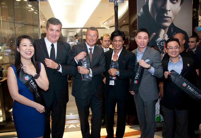 Жан-Кристоф Бабен (Jean-Christophe Babin) и посол марки Шан Рукх Хан (Shah Rukh Khan) открыли первый бутик часового бренда в Малайзии