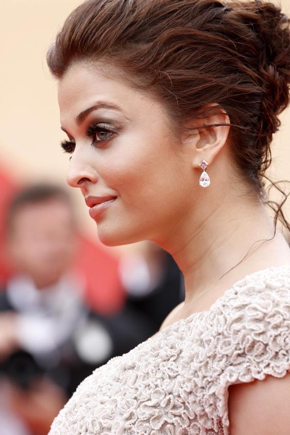 Cannes2011-Aishwarya-Rai
