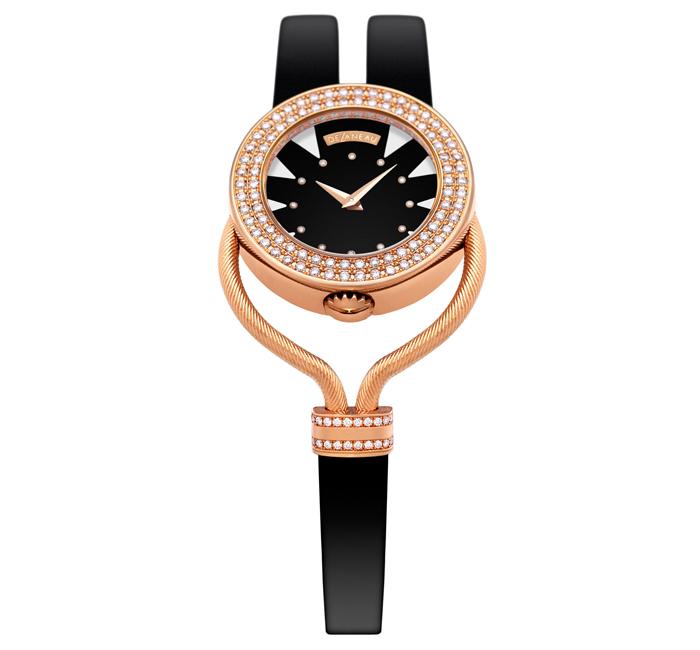 Часы декорированы алмазами в бриллиантовой огранке