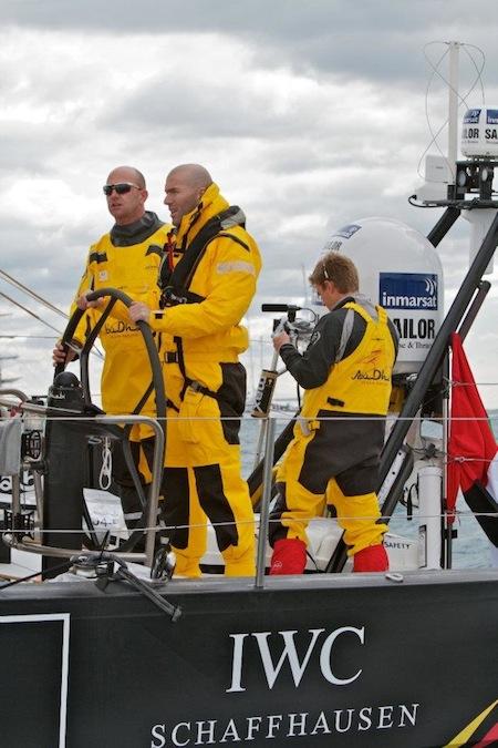 В старте регаты Volvo Ocean Race на борту Azzam участвовал официальный посол IWC - Зинедин Зидан (Zinedine Zidane)