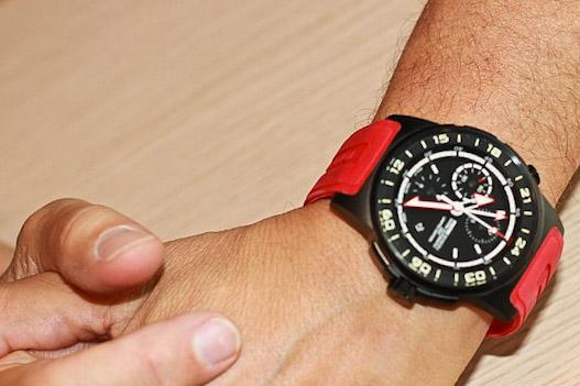 Часы MOMO Design на руке Эрманно Сорди