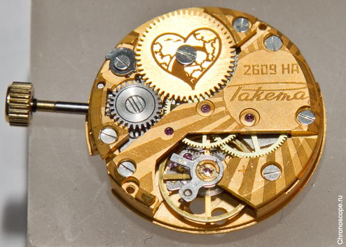 часы станут первой моделью Ракеты с прозрачной задней крышкой и, соответственно, декорированым механизмом