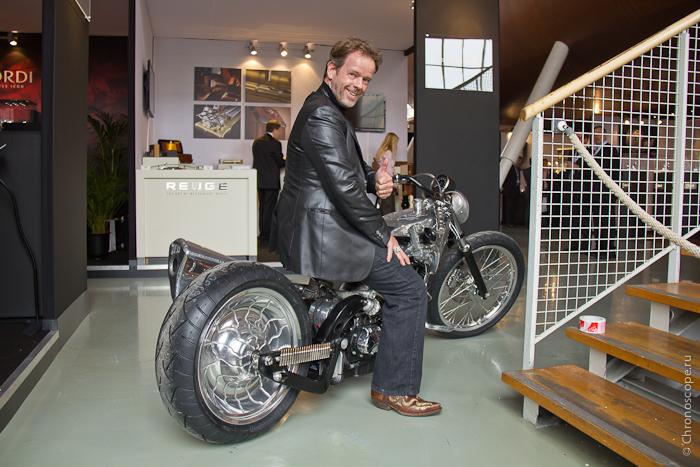 Иван Арпа мотоцикл Artya