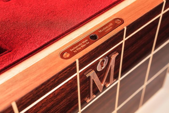 Maximilian Simplicity Box Detail 2