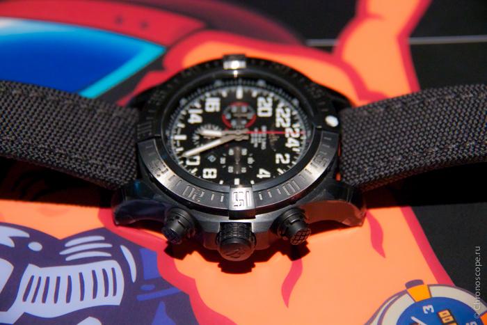Breitling Super Avenger Military-3
