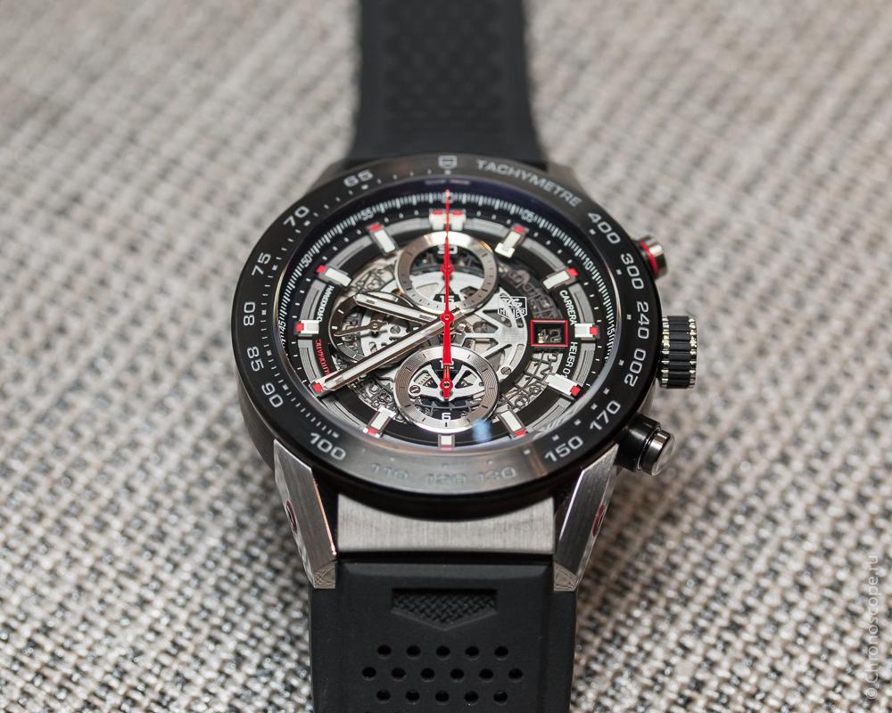 Второе его изобретение – это деталь, соединяющая часовой механизм и хронограф.