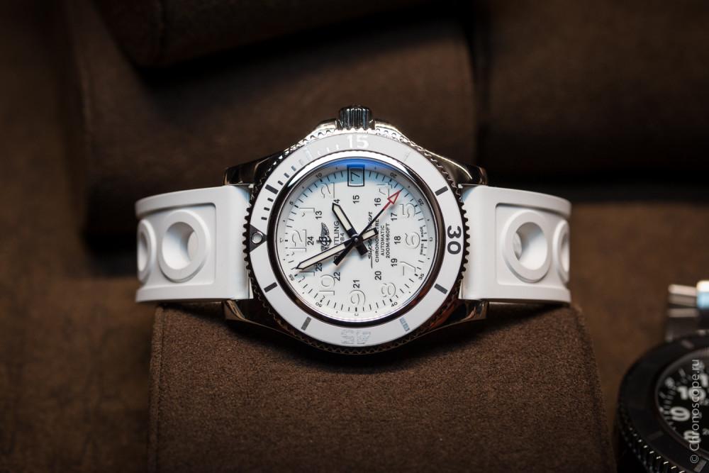 Breitling Superocean II-3