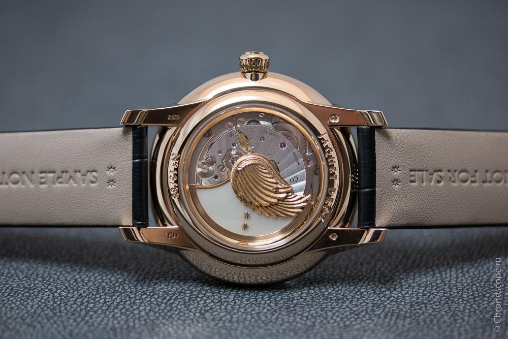 montres de + de 1000 euros - Page 42 Jaquet-Droz-Petite-Heure-Minute-Relief-Seasons-2